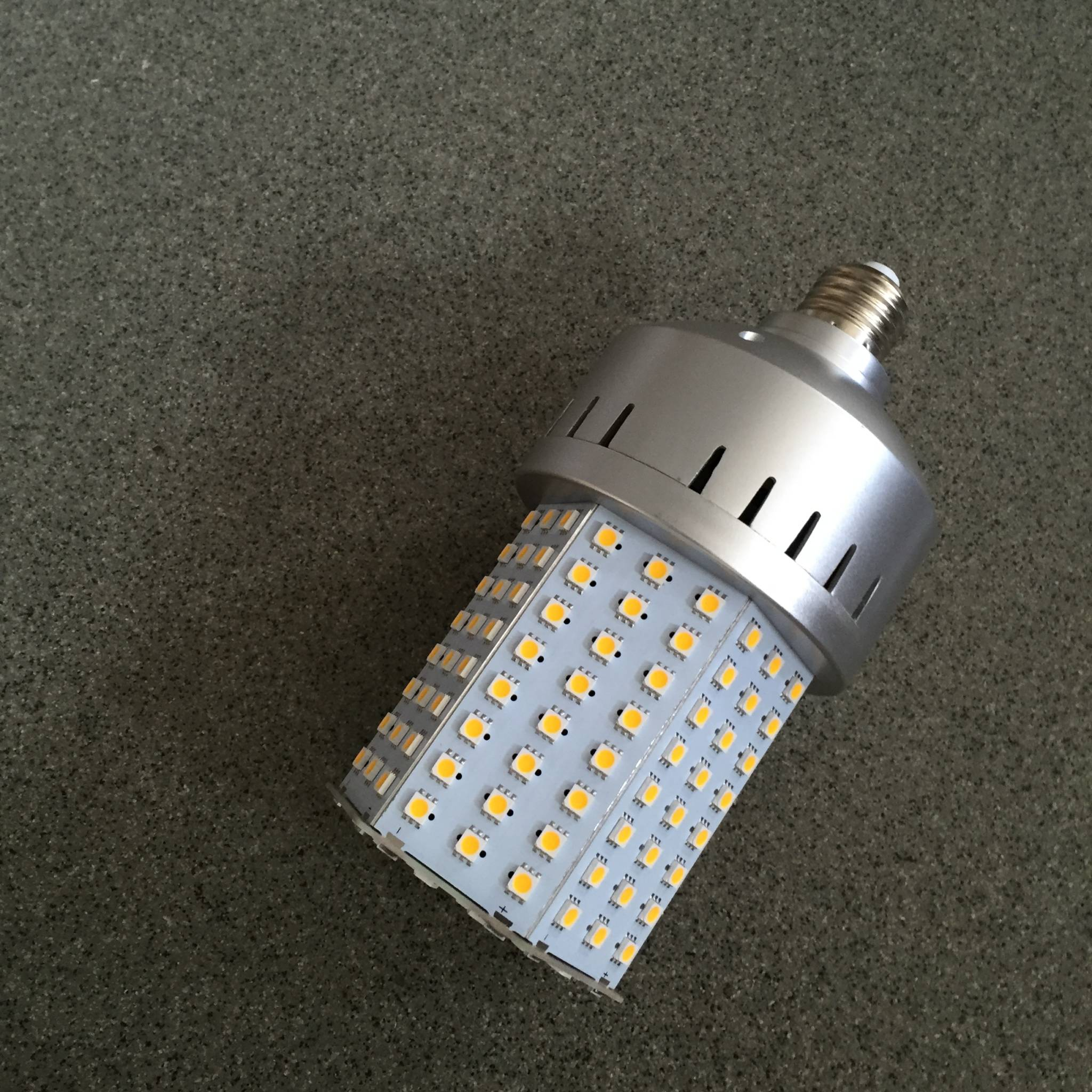 Fantastisk LED til gadelys eller udendørs arealer KR33